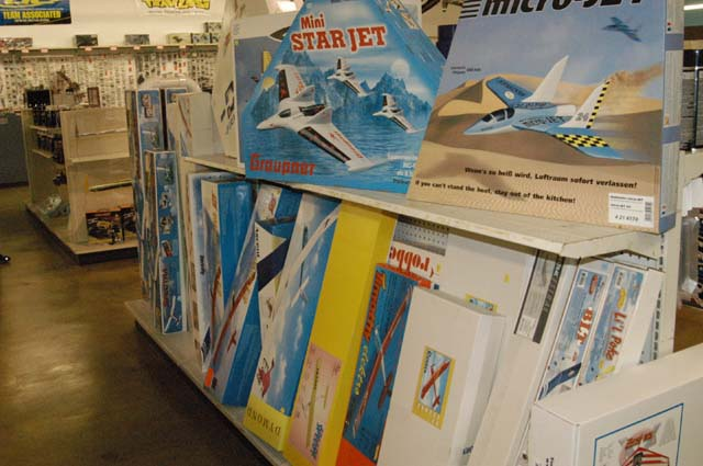 You are browsing images from the article: Plane Department